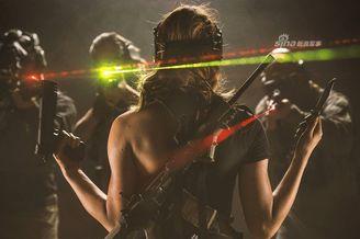 战斗民族129:女兵被敌人包围