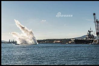 法国戴高乐航母测试蒸汽弹射器