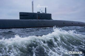 俄罗斯海军北风之神核潜艇近照