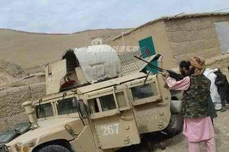 阿富汗政府军成塔利班运输队长