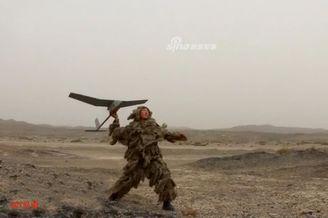 我军单兵无人侦察机与美军类似