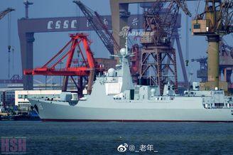 我海军052D乌鲁木齐舰返厂歇脚