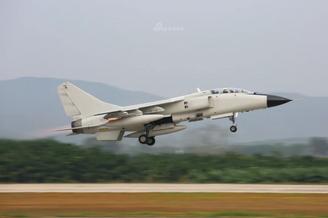 南海飞豹针对外机犯境实战演练