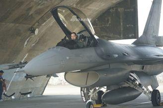 台军F-6V首次执行拦截战备任务