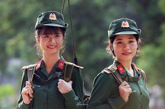 越南女兵作风朴素精神面貌尚可