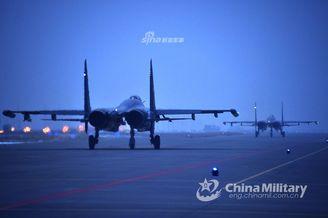 歼11战机复杂气象条件锤炼战力