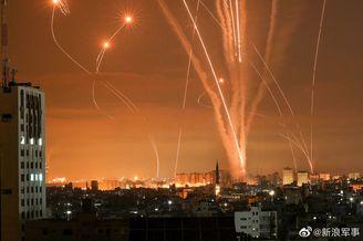 现场图:以军连夜发动炮击轰炸