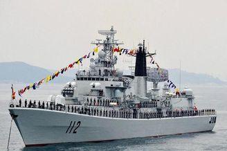 我军052型哈尔滨舰挺进日本海