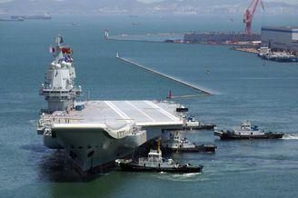 中国国产航母海试返港高清美图