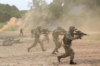 战略步枪现身解放军军校演练