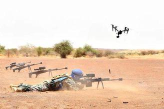 国产10式狙击步枪亮相马里靶场