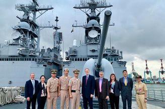 美国官员窜访台军基德级驱逐舰