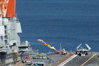 我首艘国产航母国庆前试挂满旗