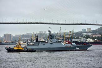 俄太平洋舰队在海森崴接新舰