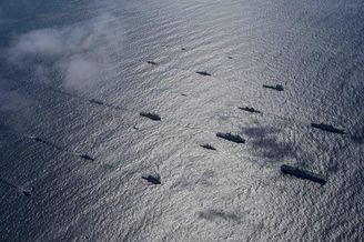 中国侦察舰全程监视美澳战舰