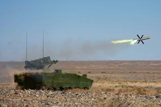 第76集团军反坦克导弹实弹射击