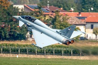 """科威特订购的""""台风""""战机首飞"""