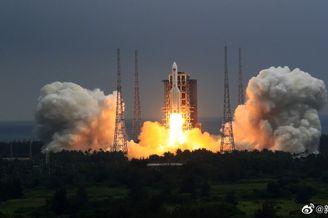 我国空间站核心舱发射成功
