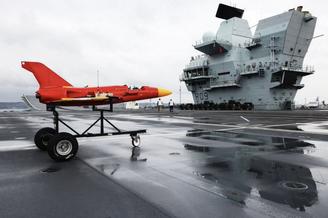 英国航母上的F-35B和女妖靶机