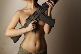 战斗民族日常14:放开枪吧美女