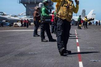 美军集结南海 航母战斗舰都在