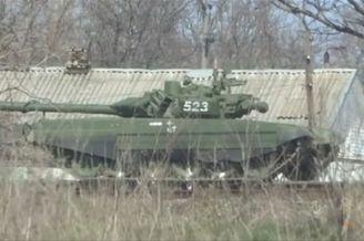 俄调动主力坦克干调往乌边境
