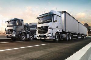 奔驰发布半自动驾驶卡车