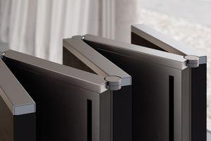 全球首款165英寸可折叠电视M1发布 售价达40万美元
