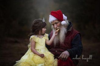 陪伴在身边的圣诞老人